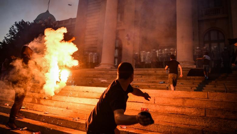"""Serbia fierbe și refuză minciuna covid 19"""