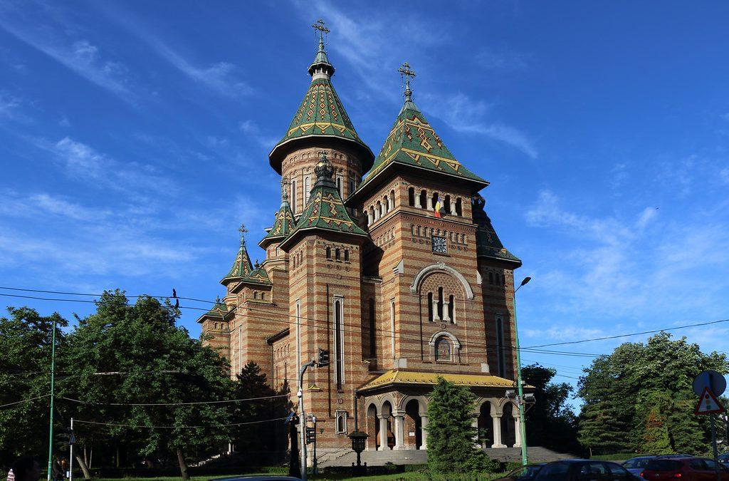Sfinții Trei Ierarhi- sărbătoare și hram istoric la Timișoara