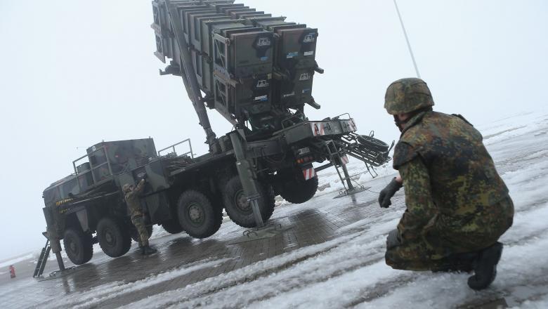 """BNS """"bombardează"""" politica de achiziții militare!"""